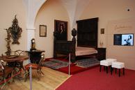 Ložnice s obrazem Strážské Černé paní